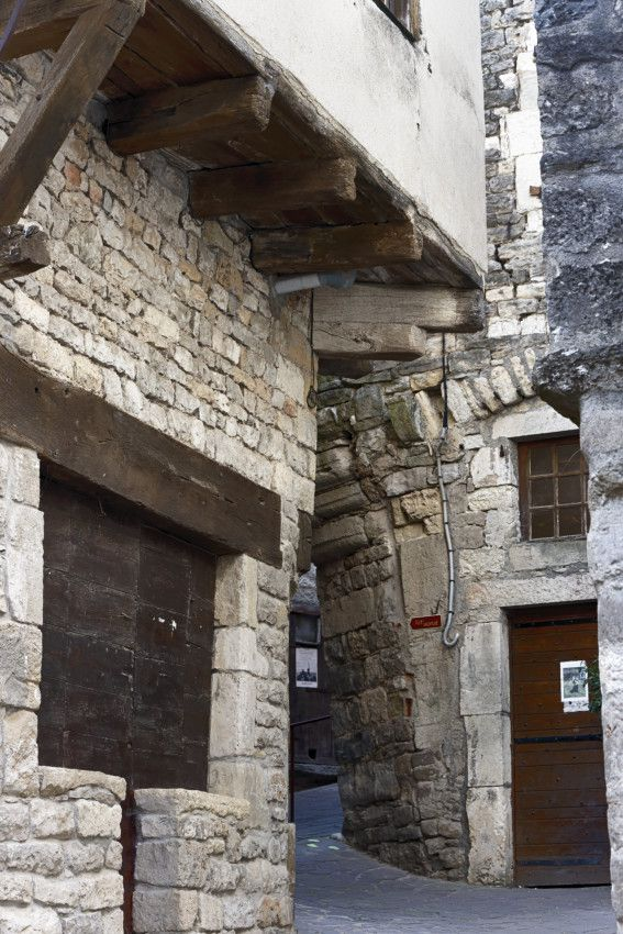Sévérac-le-Château   -  Aveyron  -  1