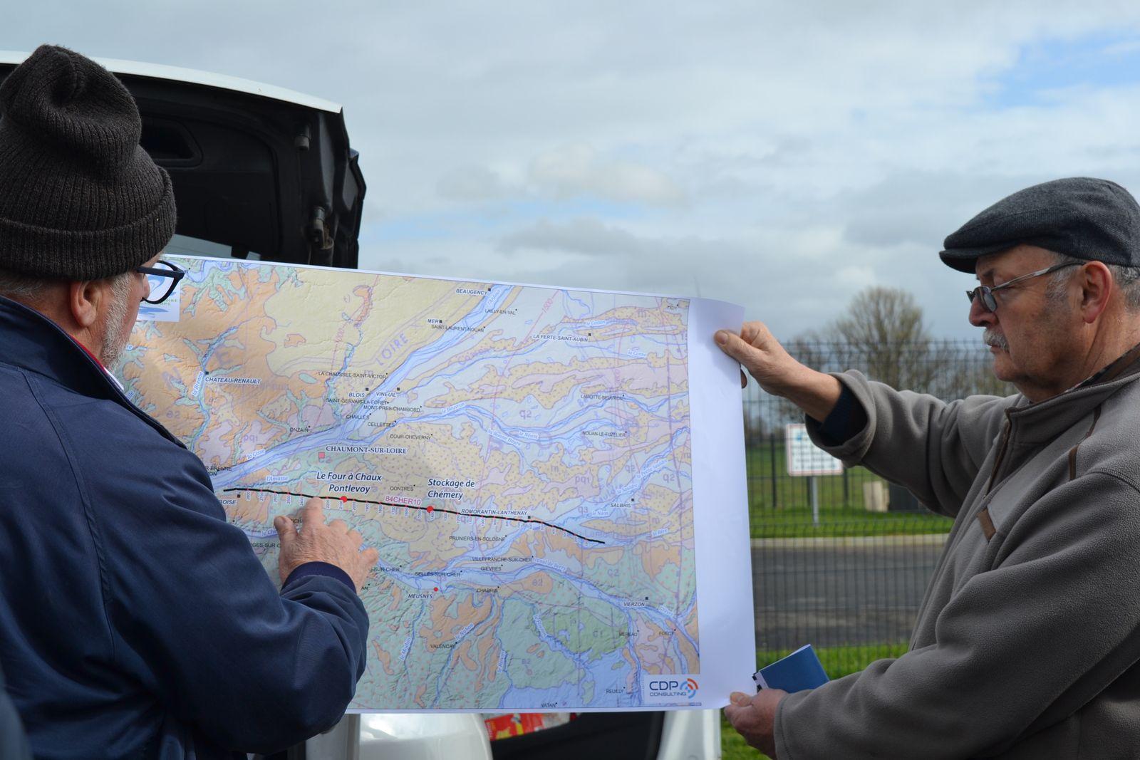 Localisation de la section sismique de 70 km de long sur laquelle se sont effectuées  les mesures en 1985 …