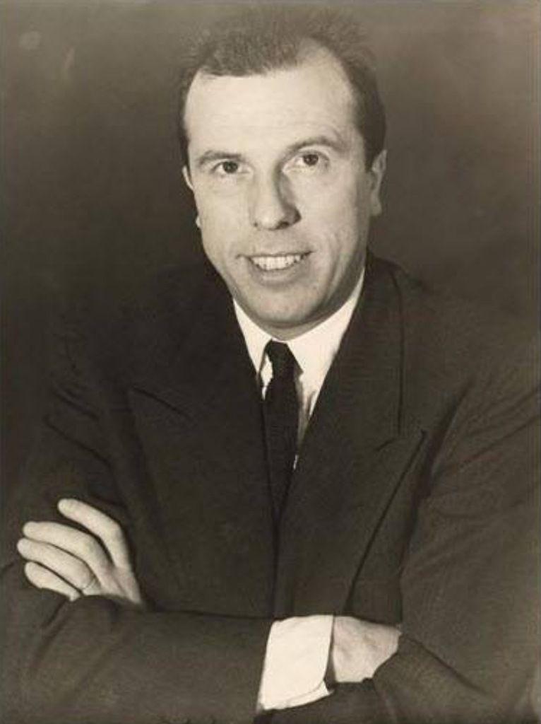 Jean Meyer quelques années avant que je le connaisse. Il avait quitté la Comédie-Française mais restait directeur de l'école de la rue Blanche et professeur d'ensemble à la rue Blanche et au Conservatoire National Supérieur de Paris.