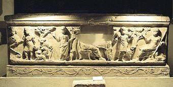 Sarcophage trouvé à La Celle, visible au musée de Brignoles.