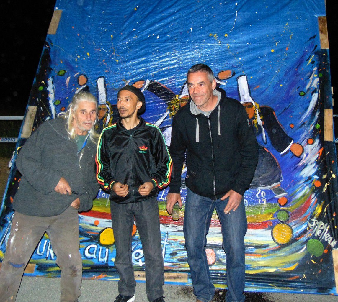 peinture pendant le concert du groupe reggae Kingston Calling