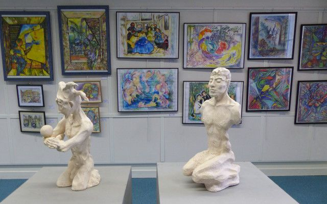 Decouvrez la créativité contemporaine d'artistes de l'APSP:Evelyne Villaume, Michèle Salesse, Patrick Gaultier, Jean-Claude Sismeiro, Bernard Olivier, tous réunis autour d'une même passion : la création artistique.