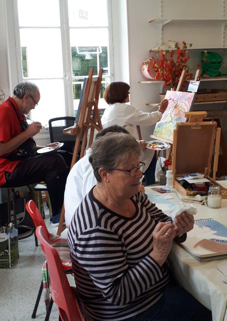 Les cours de peinture acrylique du jeudi et du vendredi ont repris aussi !