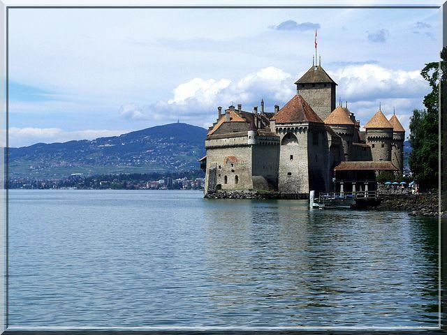 Vais je devoir nager pour attaquer ce château ?