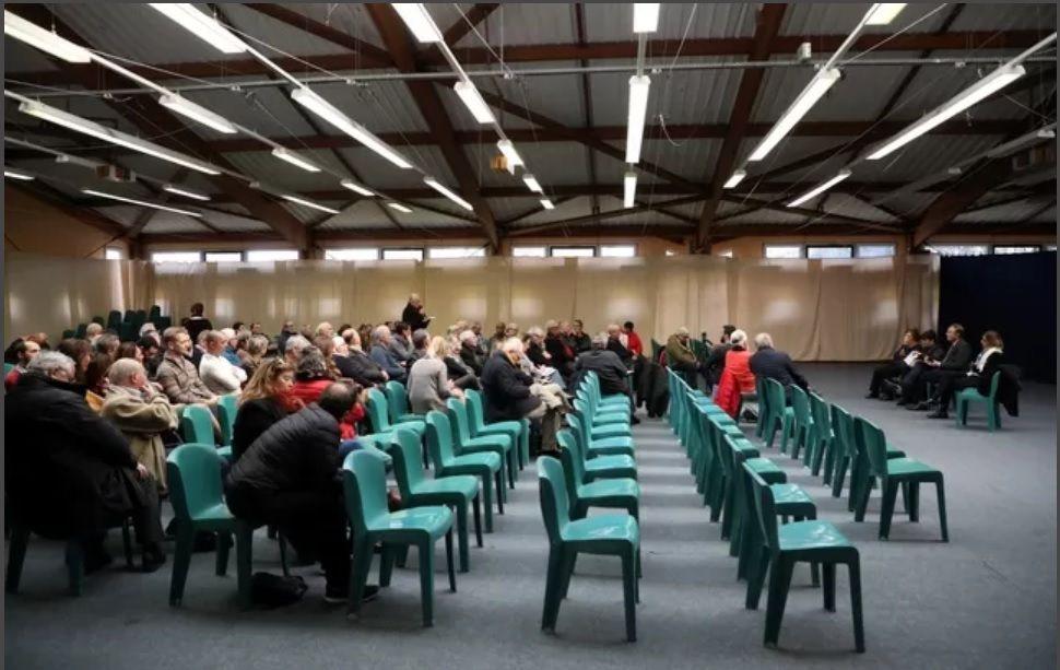 Le débat  dans la commune de Cabriès Calas