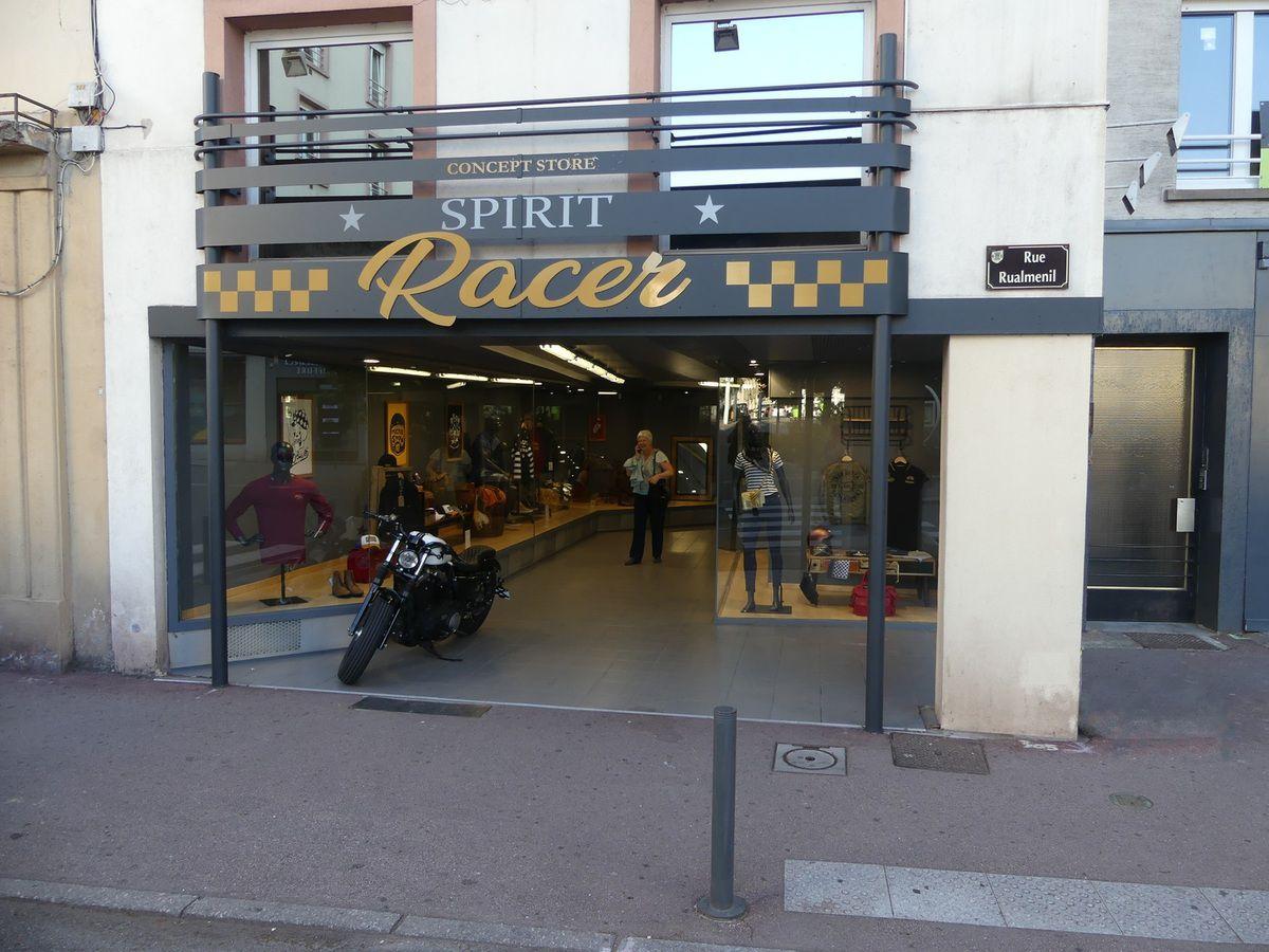 Le nouveau magasin Racer de la spinalienne Samira Djellal