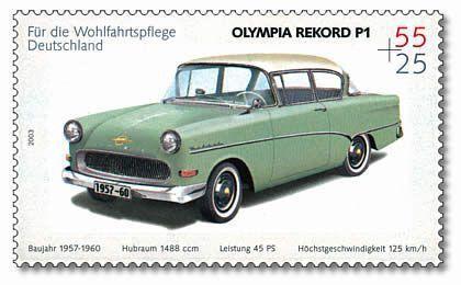 L' Opel Rekord P1 est plus large, plus moderne avec les pare-brise avant de même taille que l'arrière, introduit en Allemagne avec le style américain de la carrosserie 2 tons