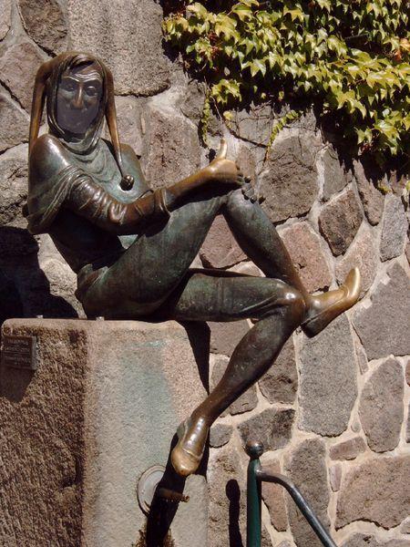 Statue de Till l'espiègle à MOLLN (ville allemande, située dans le Land de Schleswig-Holstein)