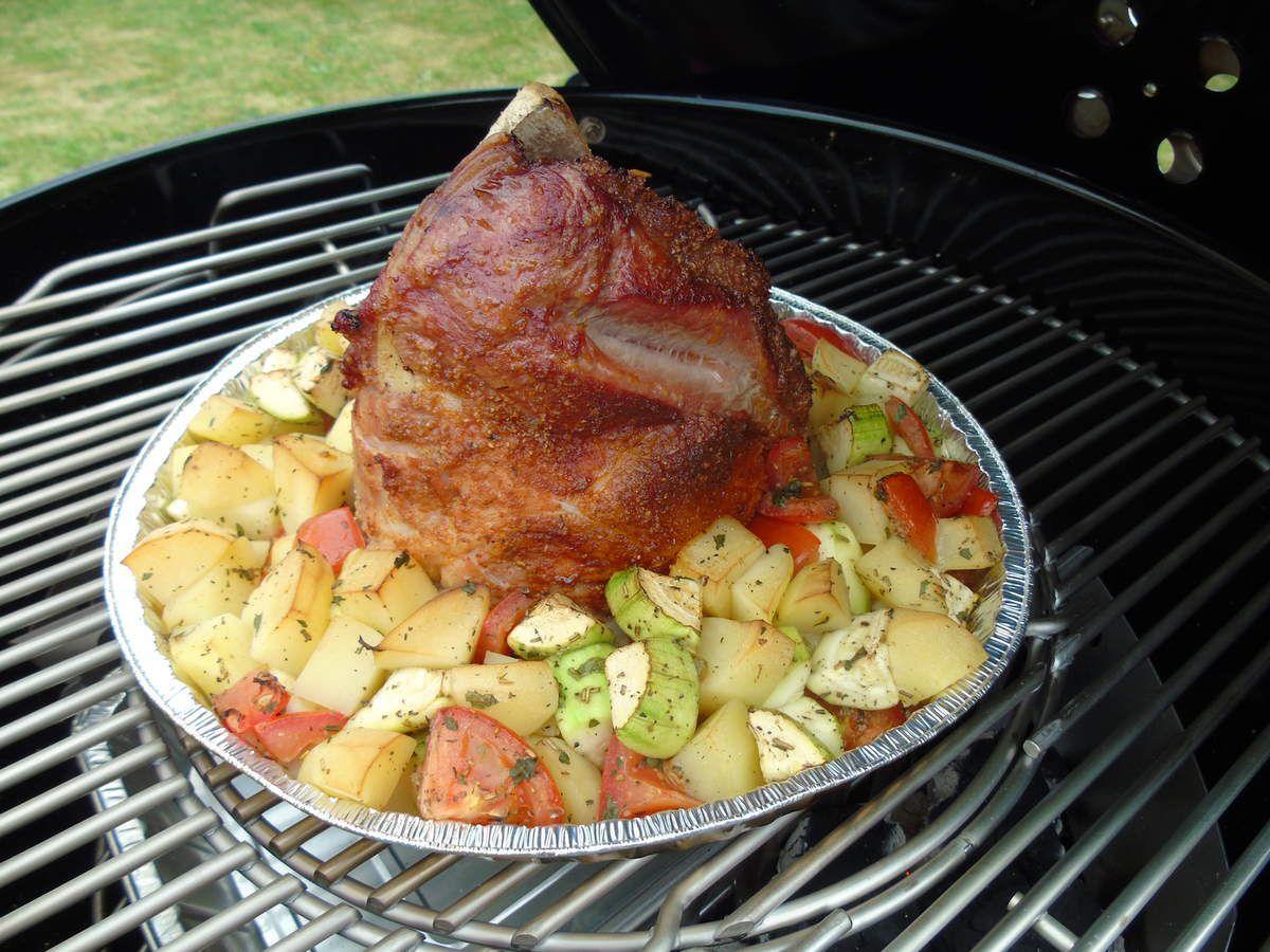 Palette et légumes / Poulet et légumes cuits ensemble au BBQ Weber