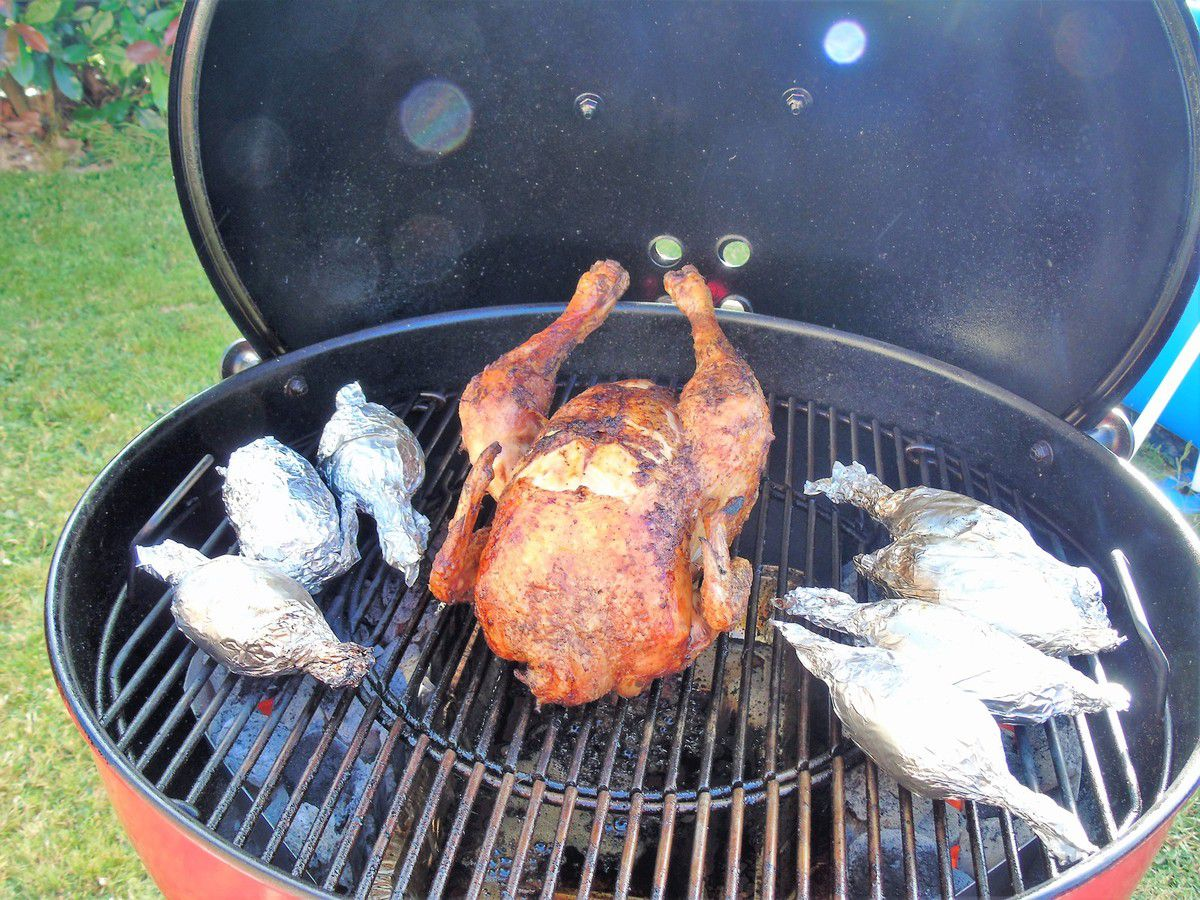 Poulet farci au Barbecue Weber Master Touch