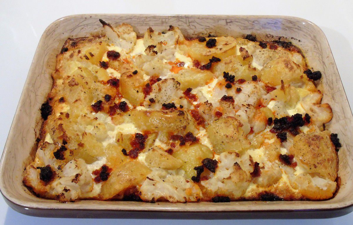 Gratin de chou-fleur , pommes de terre au chorizo