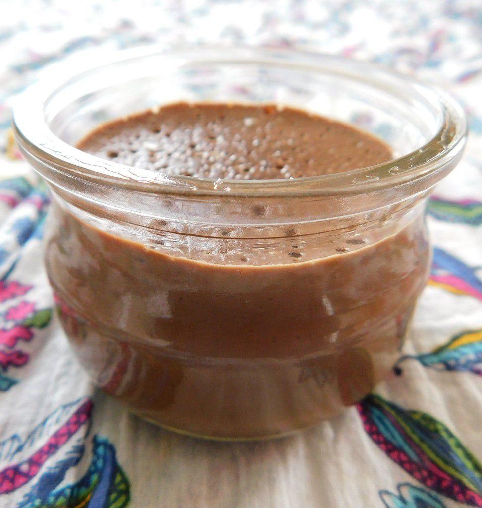 """Crème au chocolat au"""" lait """" d'amandes sans œufs et sans sucre..."""
