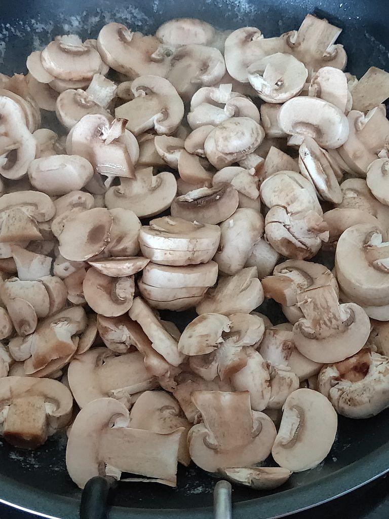 Sauce aux champignons de Paris