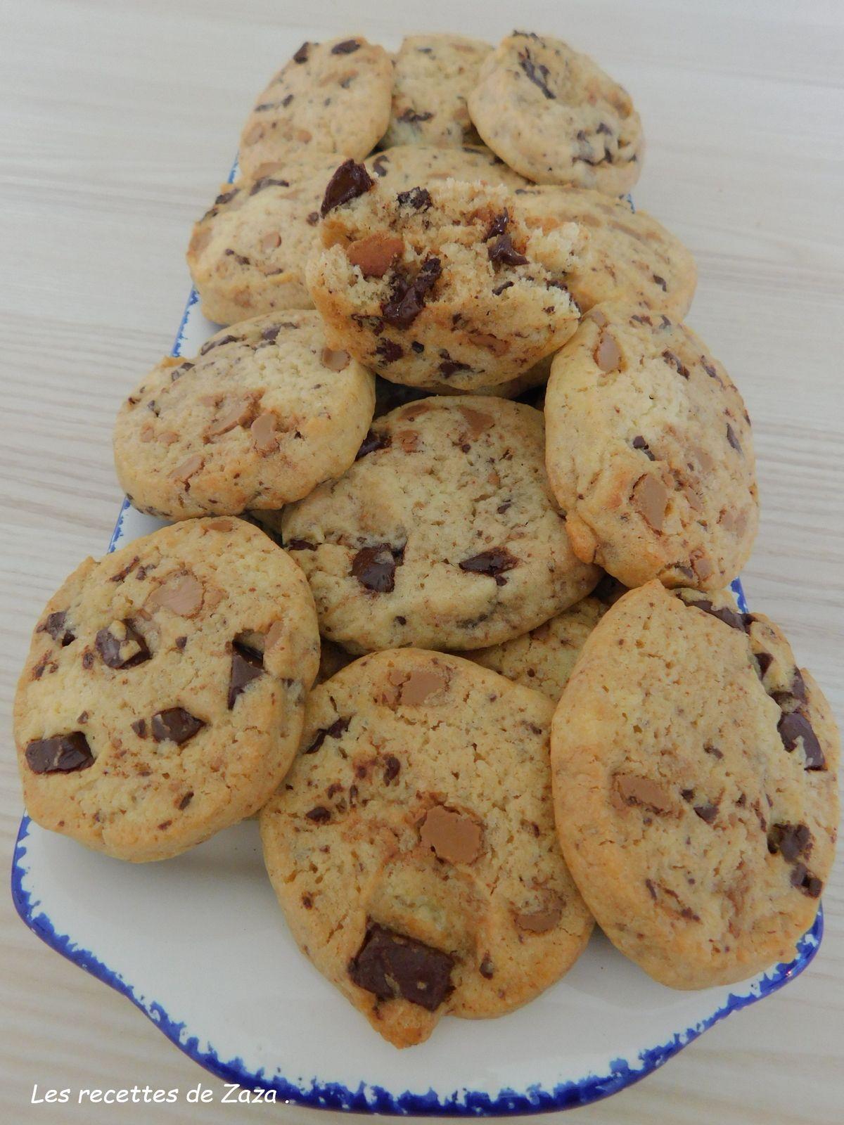 Cookies à la pralinoise et au chocolat noir