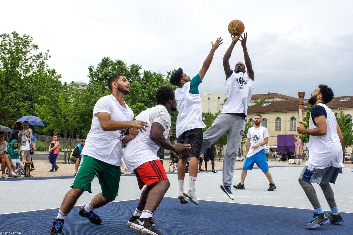Basket au parc Blandan, à Lyon