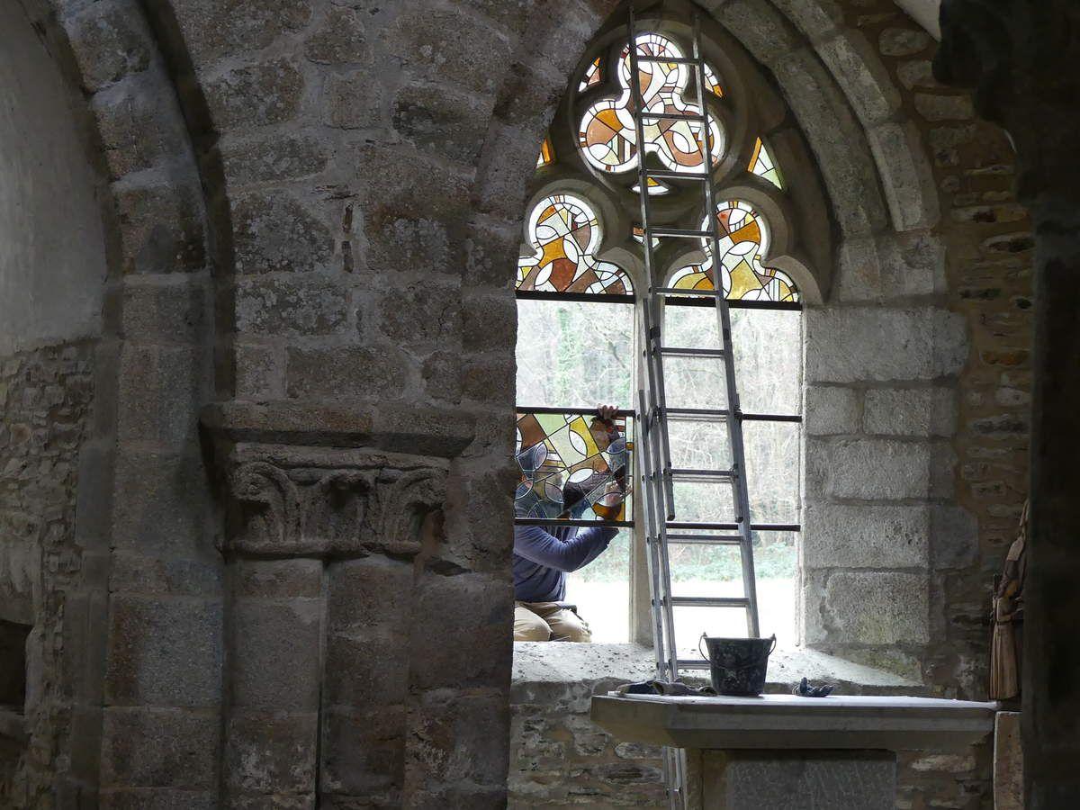 Abbaye Notre Dame de Boquen // Création conception réalisation et mise en oeuvre des vitraux // juin 2016 - mai 2019