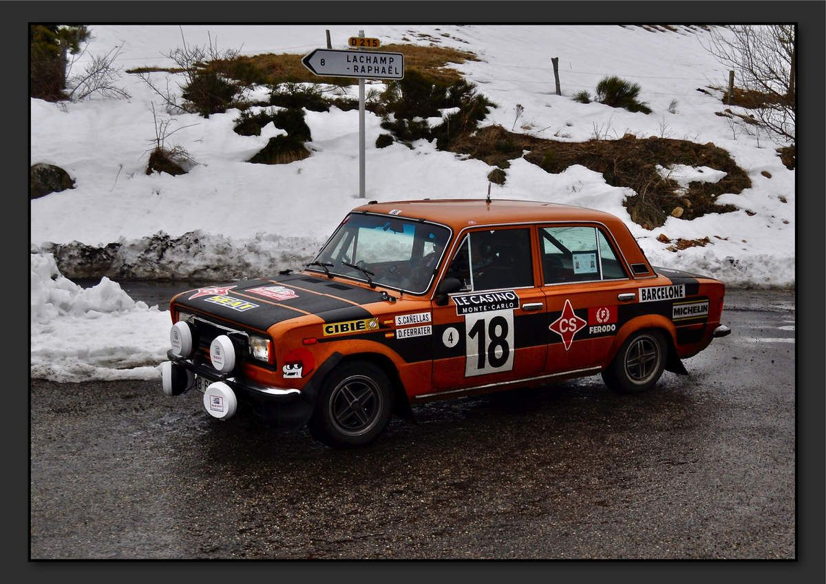 Salvador CANELLAS GUAL (ESP) Daniel FERRATER TORPAS (ESP) - Seat 124 Especial 1800 de 1975