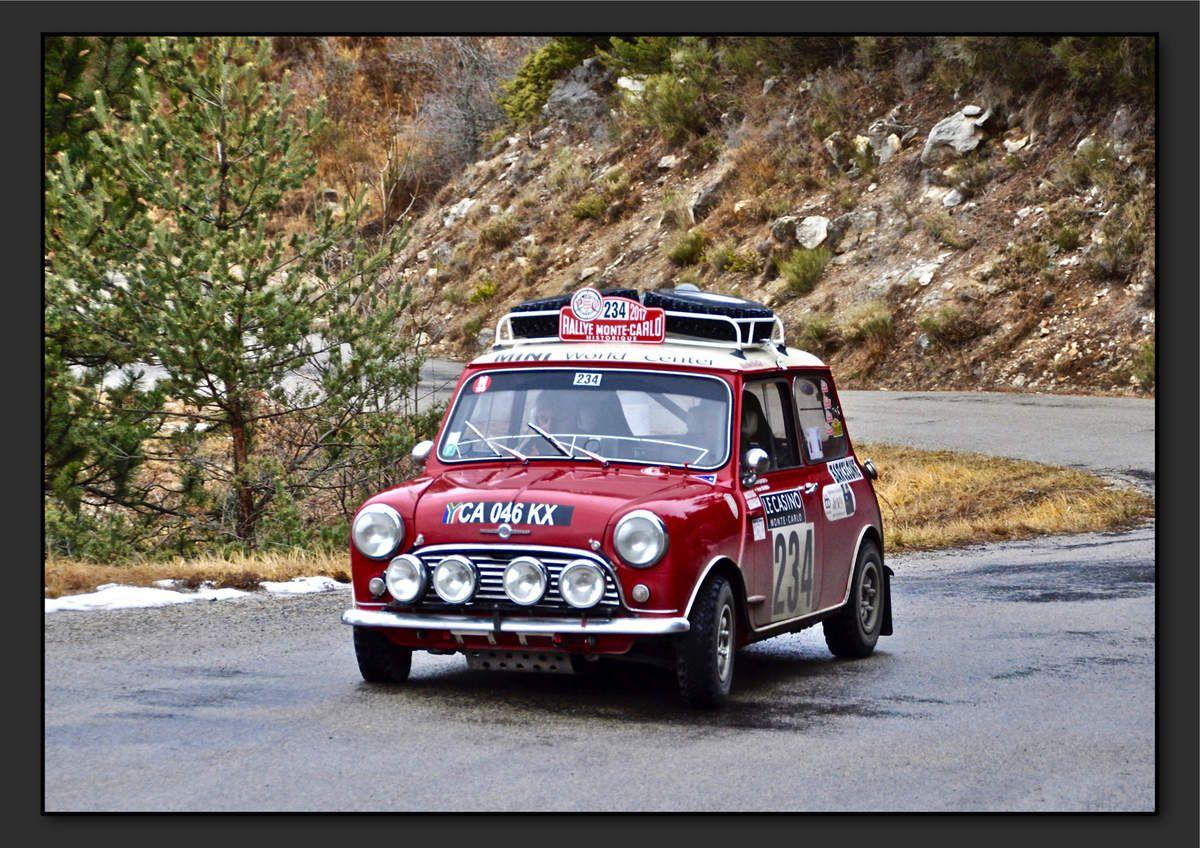 Bernard QUEYROIX (FRA) Vicente TUR MARI (ESP) - Morris Mini Cooper S de 1965