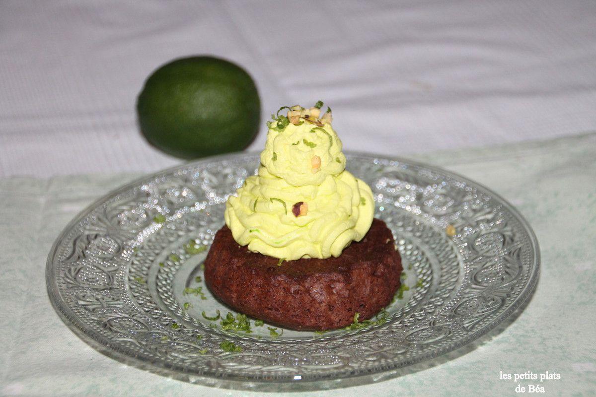 Palet au chocolat et chantilly au citron vert