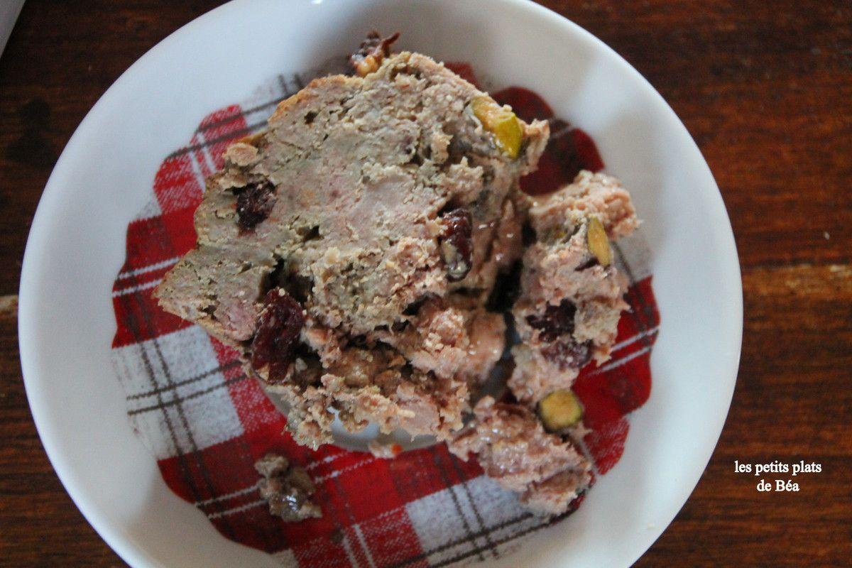 Terrine de canard aux pistaches et cranberries