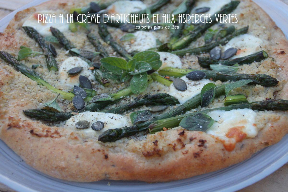Pizza à la crème d'artichauts et asperges vertes