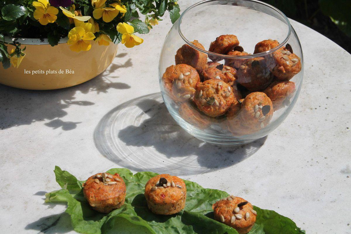Muffins à la tomate rotie et à la scarmoza