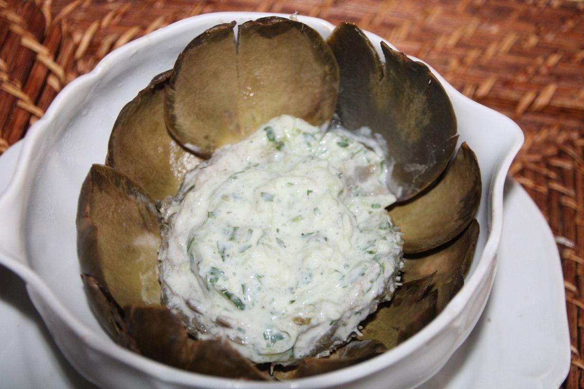 Artichaut sauce tzatziki revisitée