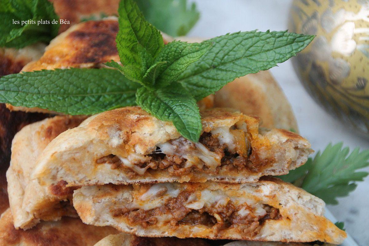 Pains marocains fourrés à la viande