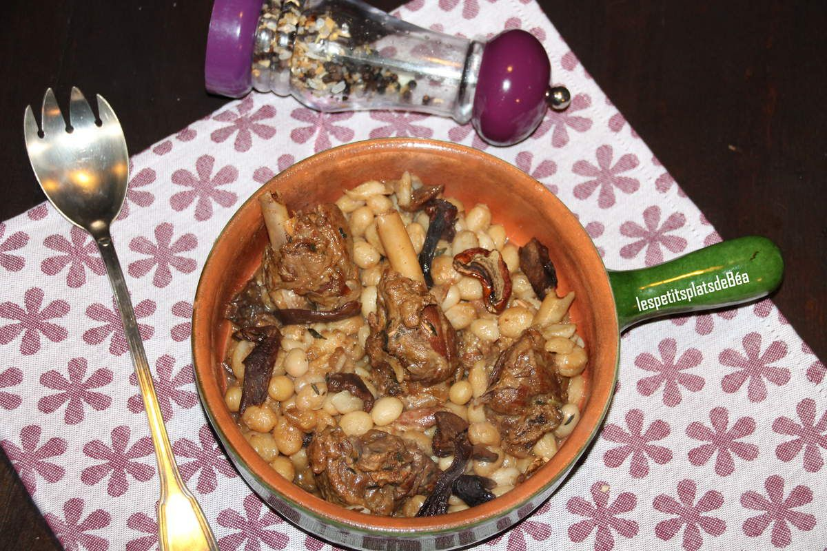 Cocos de paimpol aux cèpes et aux manchons de canard confits