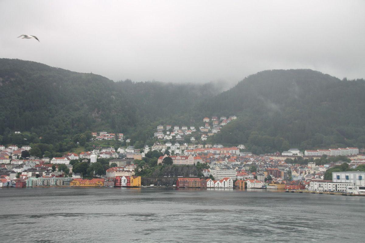 Rattes du Touquet, caviar de Norvège et chantilly à la ciboulette et au citron -  Norvège (2) Bergen