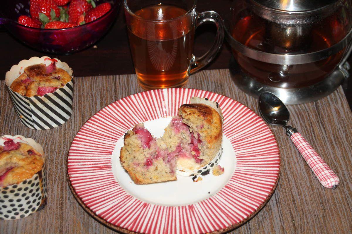 Muffins au citron, graines de chia et fraises
