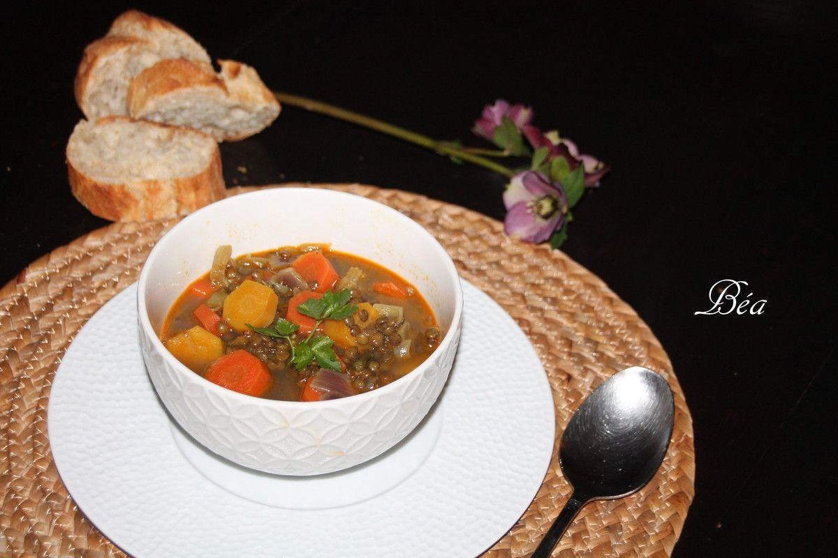 Soupe épicée aux lentilles vertes