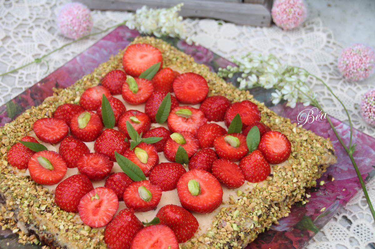 Sablé breton, crème caramel beurre salé et fraises
