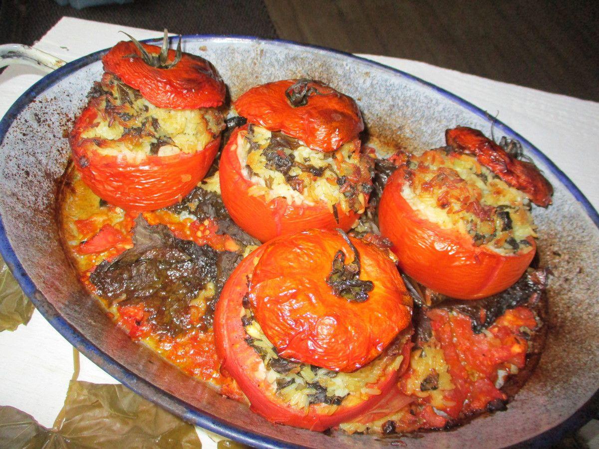 Yemista : tomates farcies au riz et aux feuilles de vigne comme à Athènes