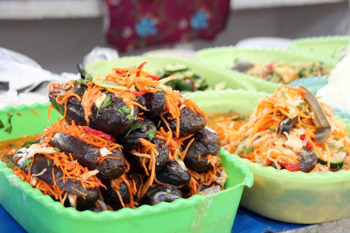 Aubergine farcie à la salade de carottes (recette ouzbeke) -  Samarcande (2) la place du Régistan - les marchés en Ouzbékistan