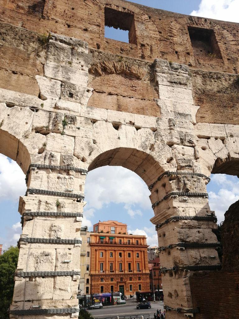 Linguines cacio e pepe - Balade à Rome (1) le Forum Romain et le Colisée