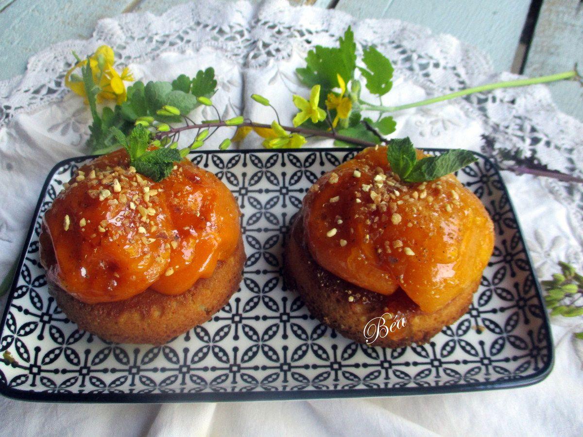 Tartelettes sablés bretons aux nèfles et à la fève tonka
