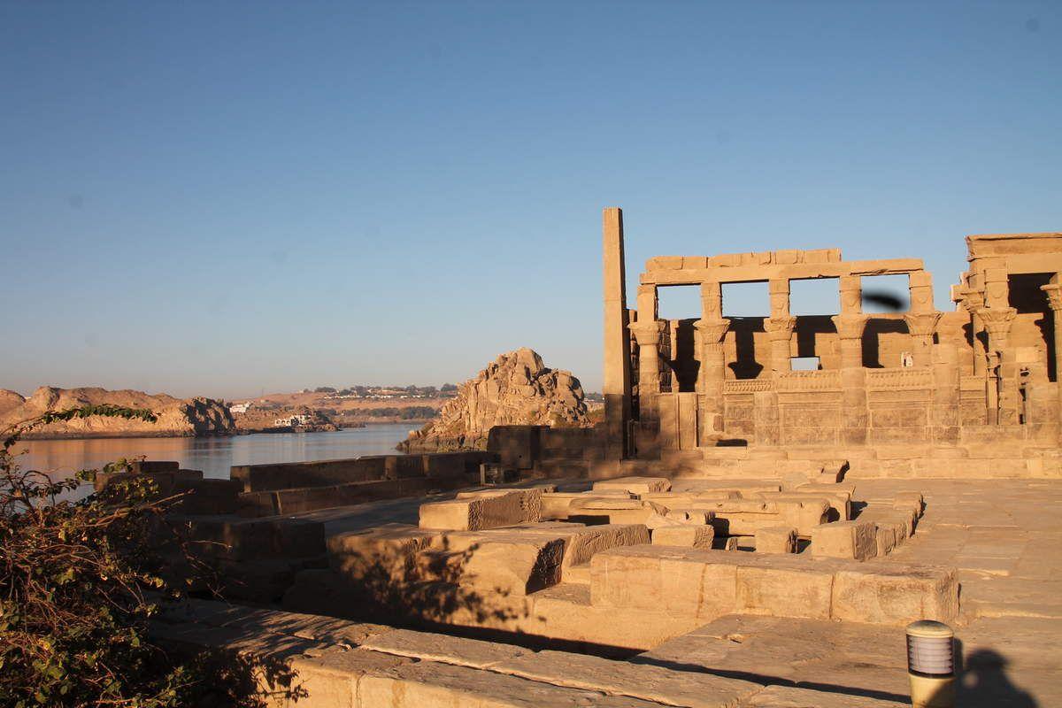 Salade égyptienne aux herbes - balade égyptienne (8) le temple de Philae et un village nubien