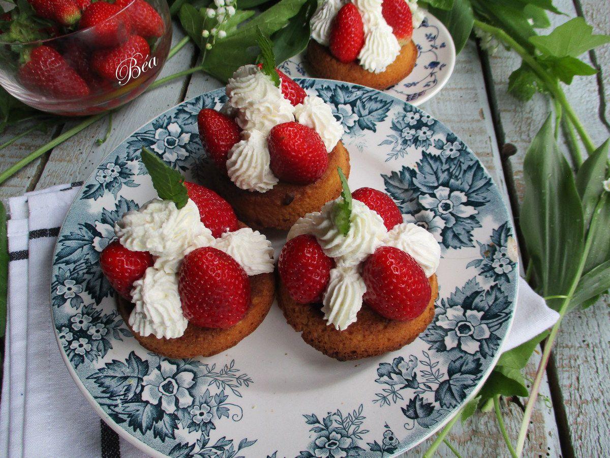 Sablés bretons aux fraises et chantilly au basilic