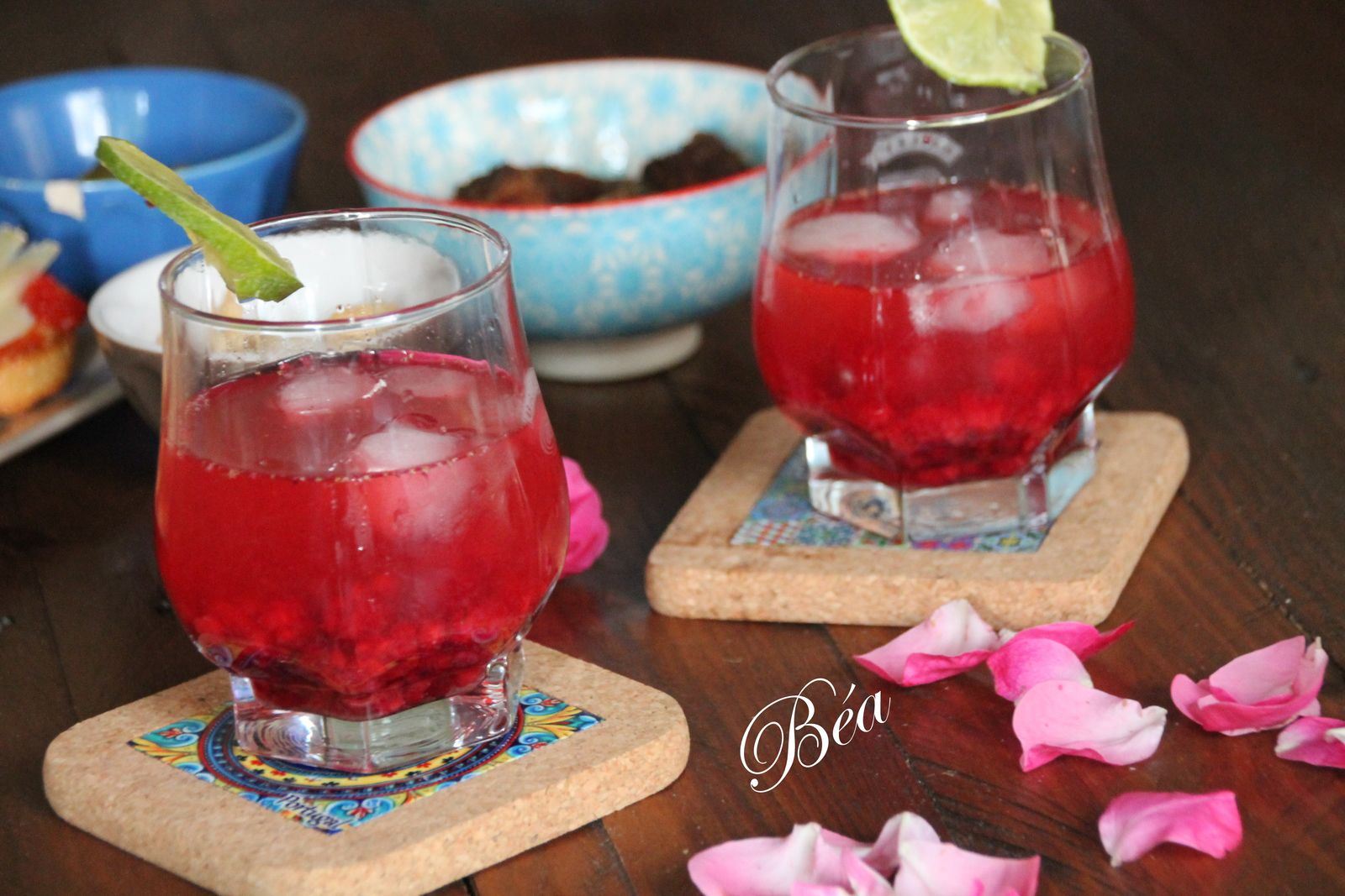 Red gin tonic