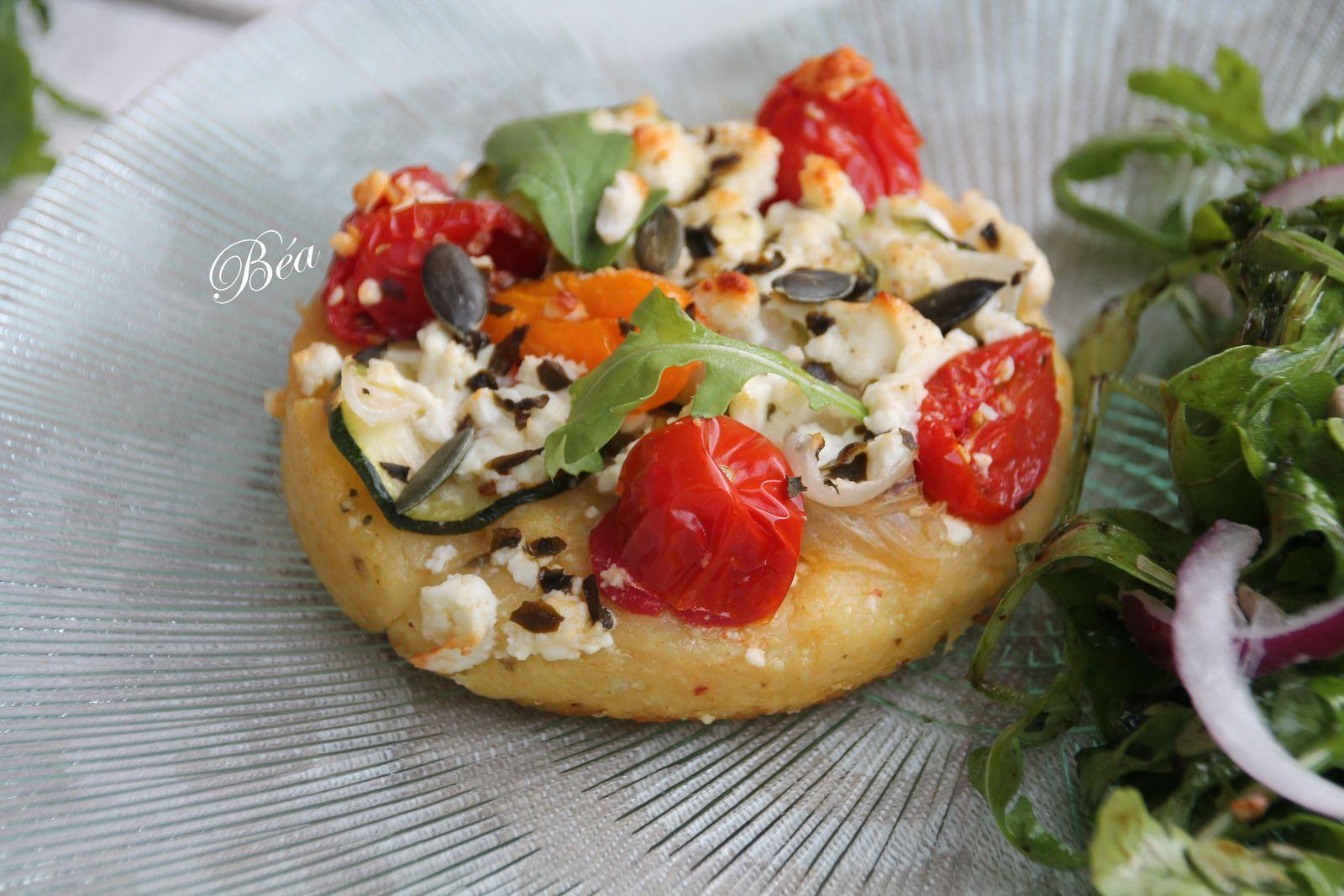 Tartelettes de polenta aux légumes d'été et féta