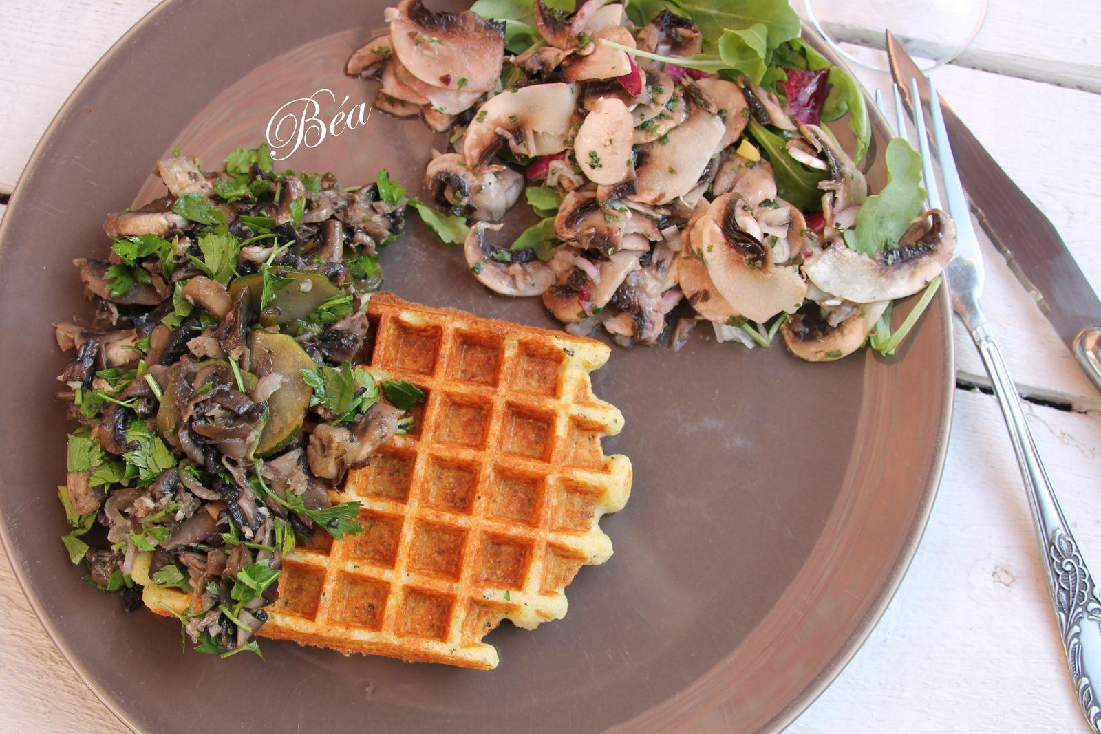 Gaufres de courgettes aux champignons cuits-crus