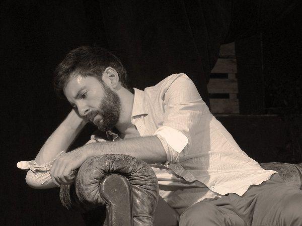 Rencontre avec le comédien Vincent Marbeau pour en savoir plus sur la pièce « Derniers Remords Avant L'oubli » !