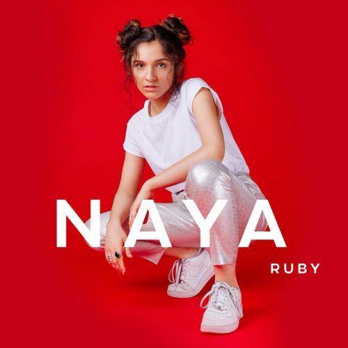 Naya excelle sur son premier album !