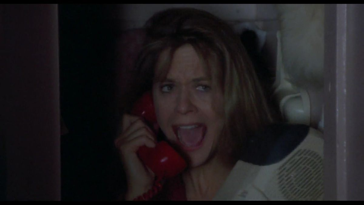 Annie shouts because her sex urges are exposed (for whom is ready to see them), Jonah shouts because he witnesses a woman being attracted to his dad (not him). Still, he phones her, they shout together. The love story is as much between the kid and the woman as between the dad and her.