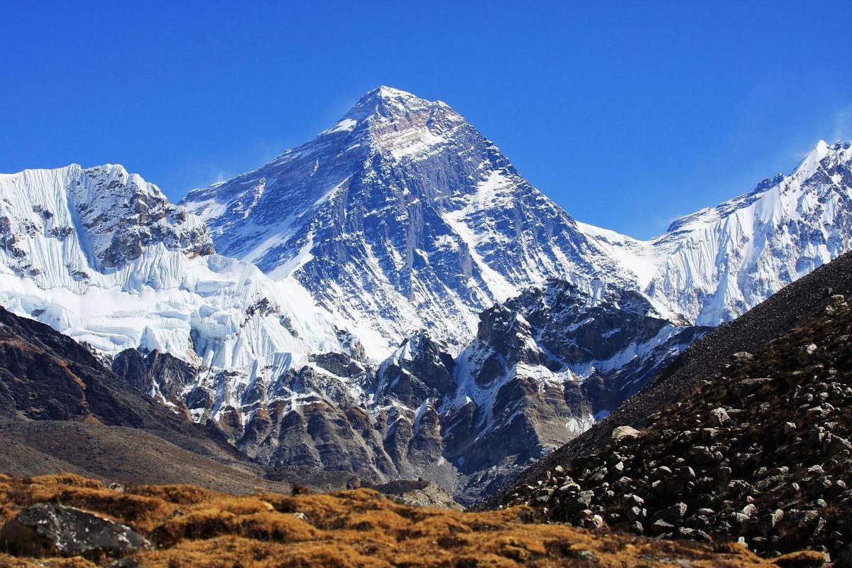 Photo de l'Everest (source: buddhalandtreks)