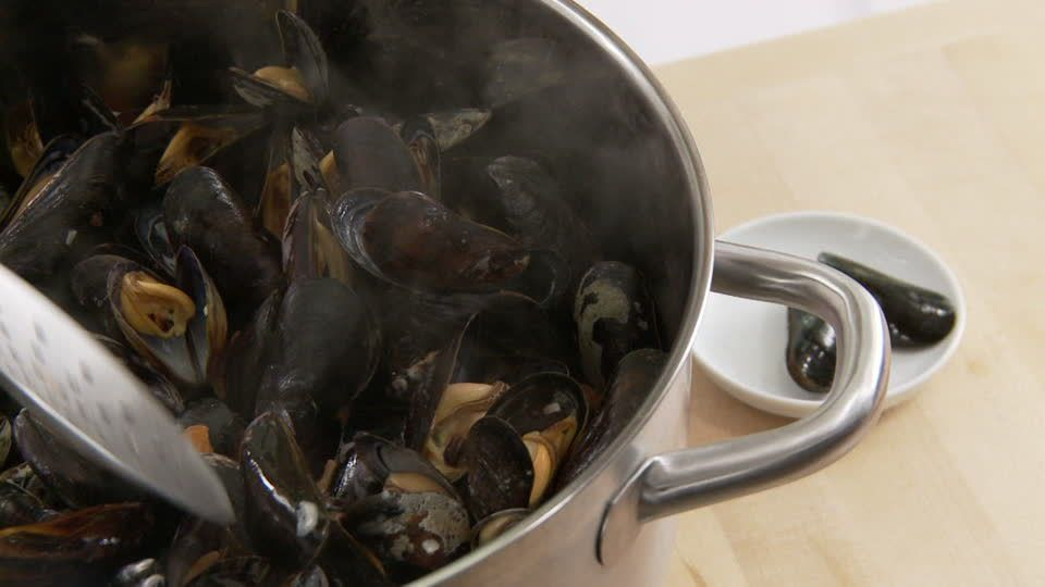 Photo d'une cuisson de moules (source: footage.framepool)