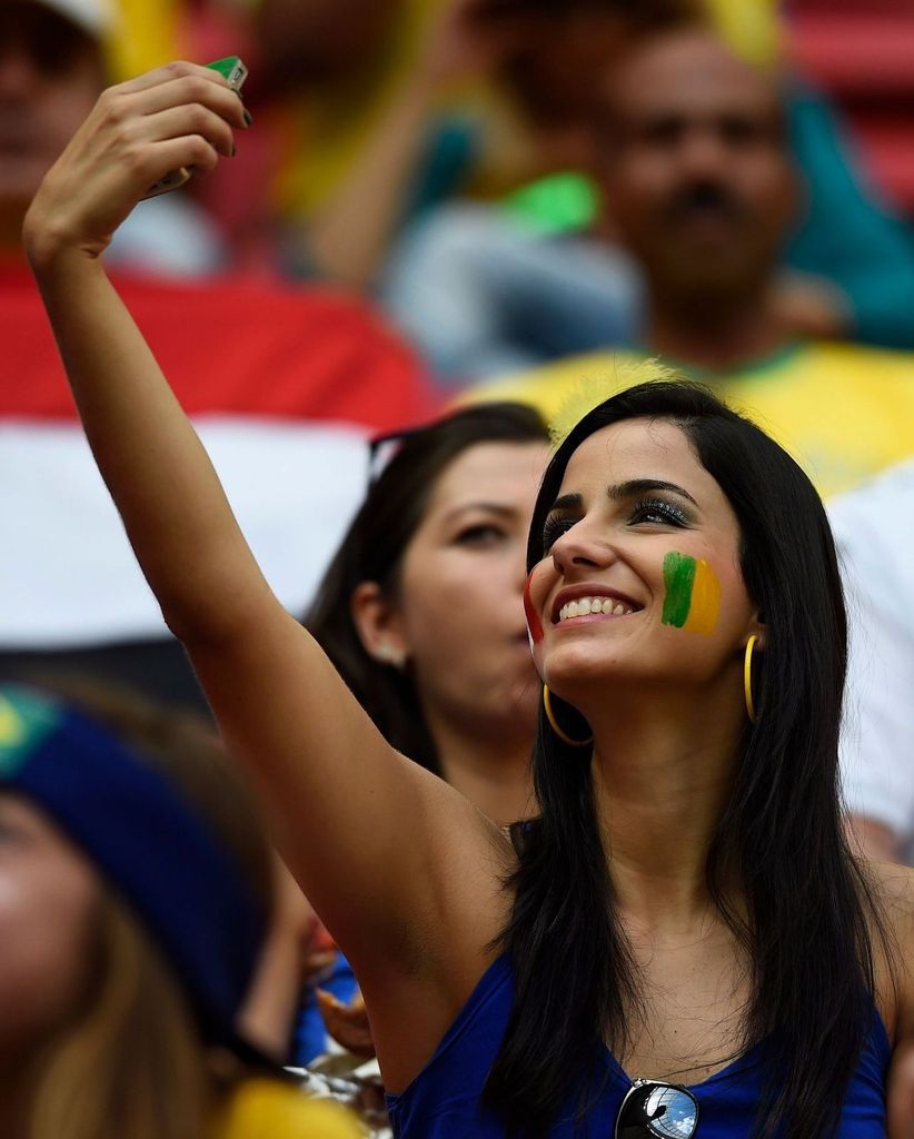 Photo d'une supportrice de football (source: lexpress)