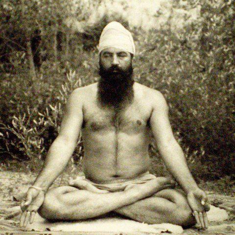 Photo d'un yogi (source: http://www.yogakundalini.fr/images/ybmeditation.jpg)