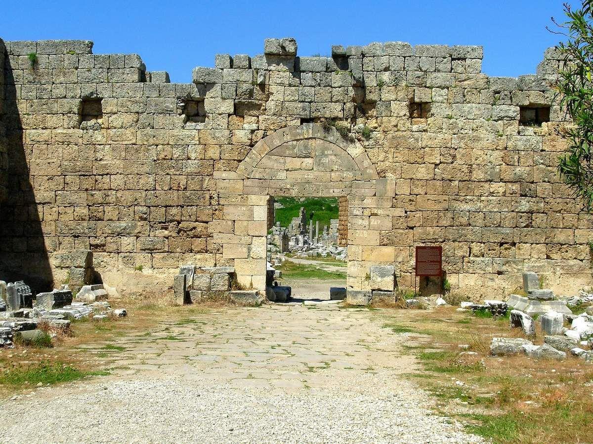 Face Sud de la Porte romaine